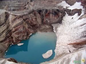 Кратер вулкана Горелый. Фото