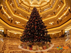 Ель в Emirates Palace Hotel
