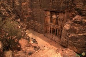 Петра - город в скалах