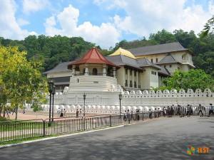 Храм Зуба Будды. Фото 2