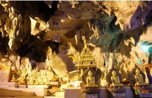 Пещеры десяти тысяч Будд