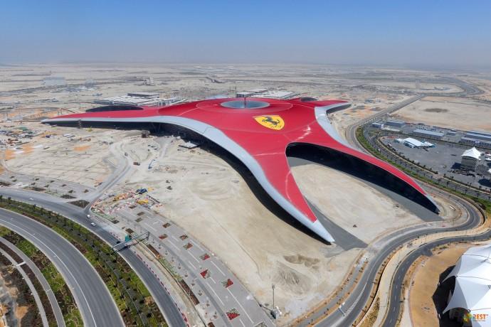 Ferrari World в Объединённых Арабских Эмиратах