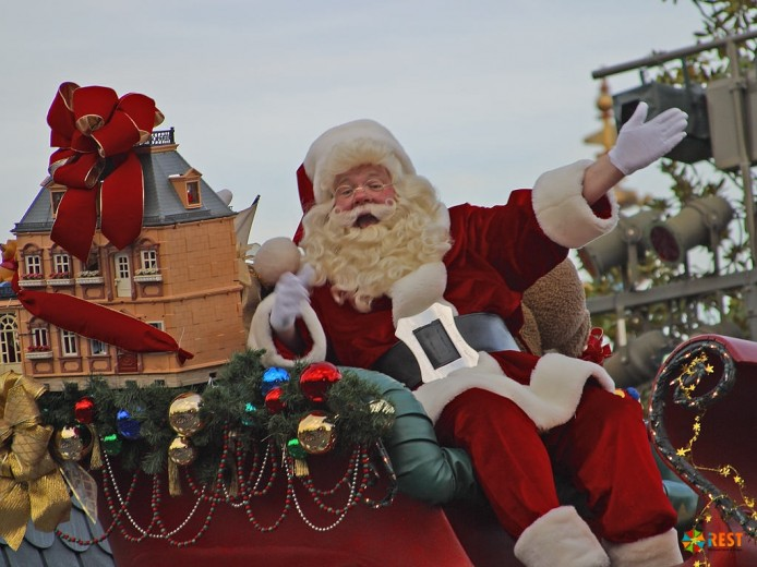 Чернокожий напарник голландского Санта Клауса