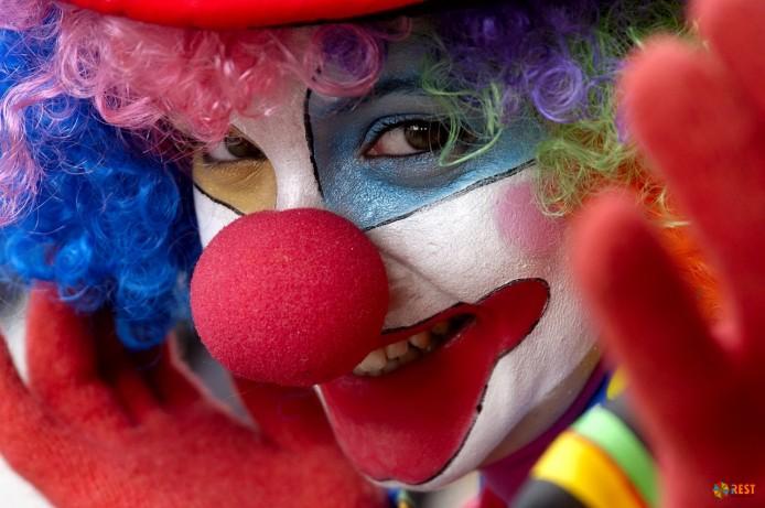 Профессиональный клоун - один из самых любимых и востребованных персонажей на детских праздниках и во взрослых коллективах