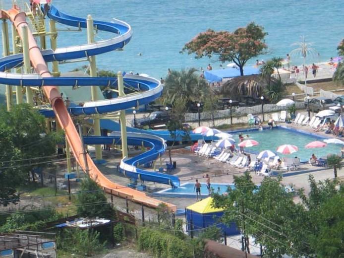 Аквапарк в Гаграх, Абхазия