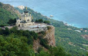 Какие достопримечательности можно посетить в Крыму
