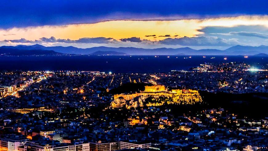 Афины ночью, Греция