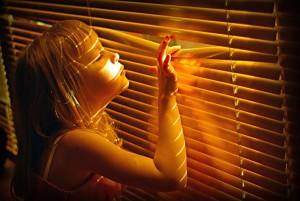 Спасаем квартиру от солнца – ставим жалюзи!
