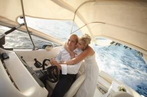 Аренда катера – романтическое путешествие с любимой