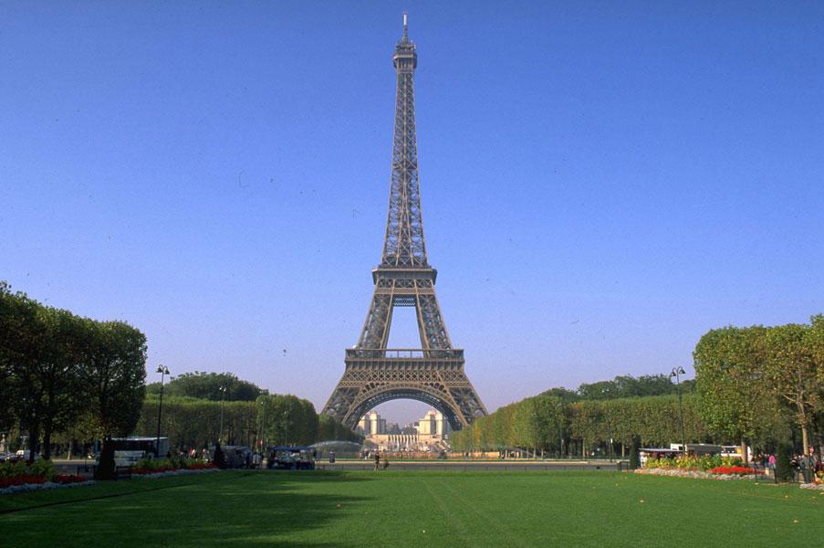 Что включает в себя тур во Францию?