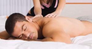 Учимся делать эротический массаж