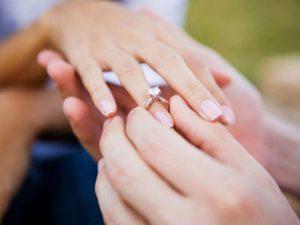 Как должны выглядеть помолвочные кольца?