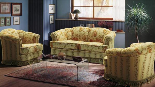 В каких случаях нужна перетяжка мебели