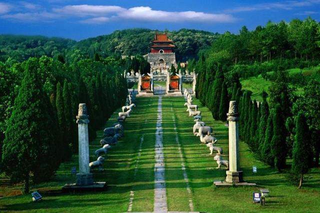 grobnicy-dinastii-min