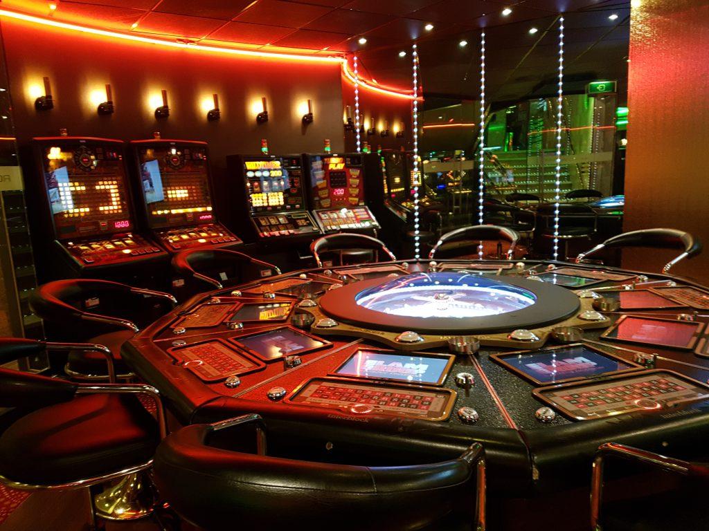 азино 777 покер