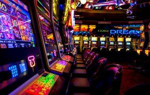 Можно ли бесплатно играть в аппараты онлайн в казино?