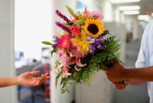 Красочная доставка цветов или как освежить угасшие чувства