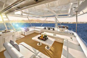 Где арендовать привилегированную и роскошную яхту?