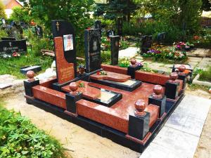 Особенности изготовления мемориальных комплексов на могилу