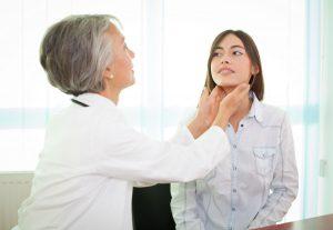 С какими болезнями посещают эндокринолога?